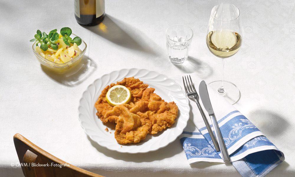 Foto Wiener Schnitzel mit Weisswein